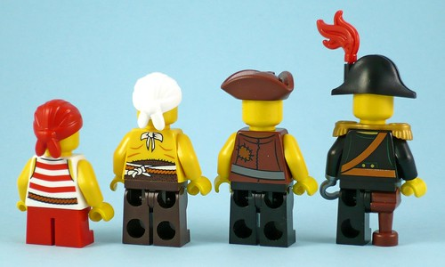 70413 The Brick Bounty figures03