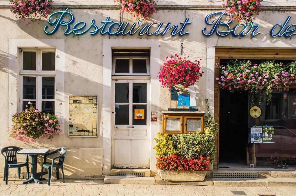 Balade gastronomique dans l'Yonne - Au bar de la Poste