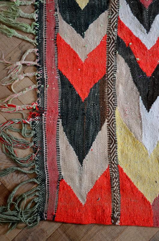 hand woven moroccan rug