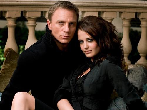 Casino Royale - 2006 - Promo Photo 2 - Daniel Craig & Eva Green