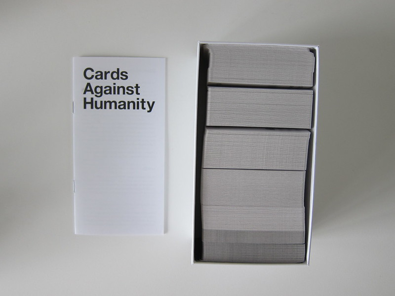 Cards Against Humanity - Box Contents