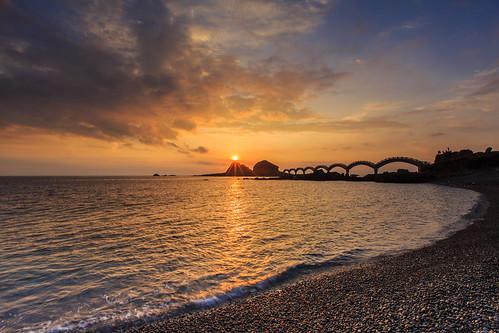 sunrise 台灣 海岸 6d 橋 晨曦 日出 海灘 三仙台 曙光 星芒 台東縣 麥飯石 ef1635mm 拱橋
