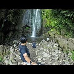 Kita bertiga adalah orang pertama yang sampai di Ciismun pagi itu.  #gopro #goproid #goprohd #goprooftheday #travel #trip #photooftheday #goprohero #instalike #instadroid #indonesia #goprovideo #instavideo #goprohero #gopro #cibodas #bogor #puncak #indone