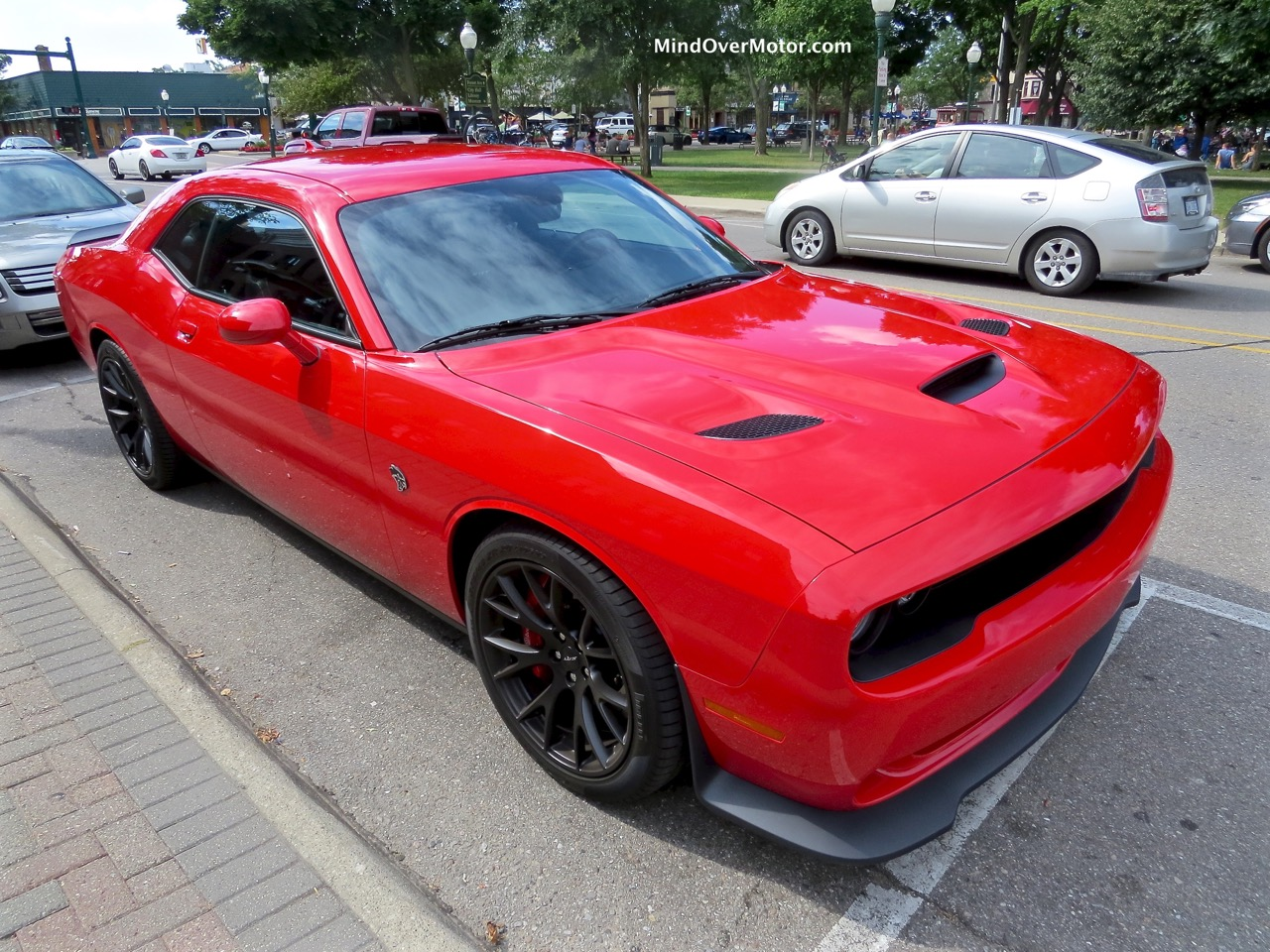 Dodge Challenger Hellcat Angle