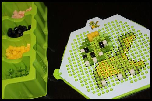 Qixels - un monde de pixels dragon