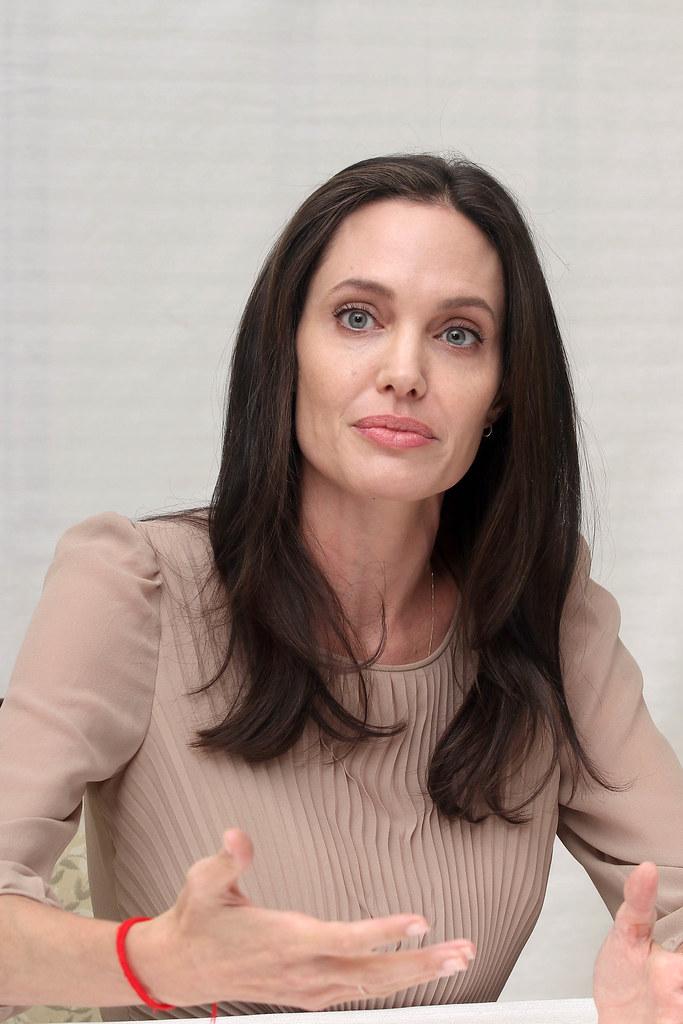 Анджелина Джоли — Пресс-конференция «Лазурный берег» 2015 – 53