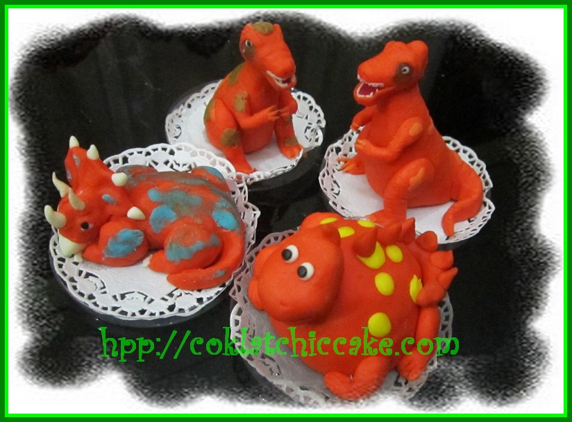 Minicake dinosaurus