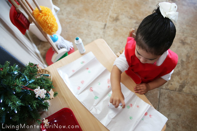 Making Dot Christmas Paper Using Do-a-Dot Markers at 2 Years