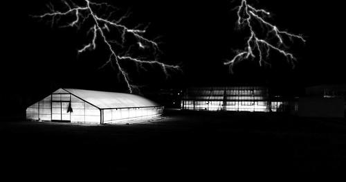 nightmoves nacht blitze lightnig foudre nuit blackandwhite blackwhite bw black white sw schwarzweiss schwarz weiss monochrome einfarbig noiretblanc noirblanc noir blanc electrolitephotography electrolite