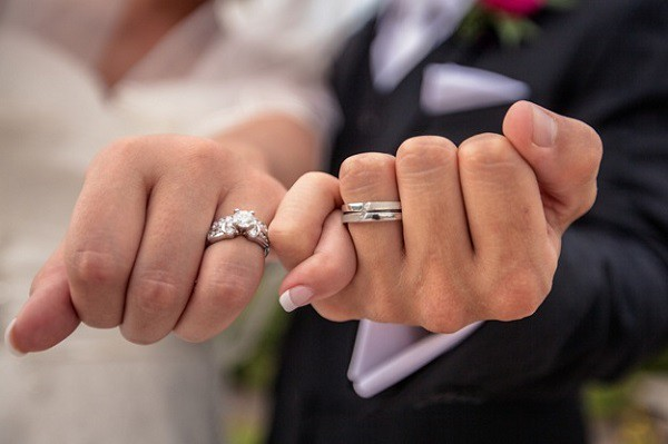 Engagement Ring vs. Wedding Ring: What's the Difference? from Flickr via Wylio