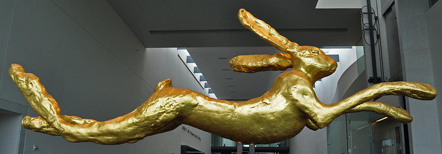 Large Leaping Hare, Barry Flanagan (2)