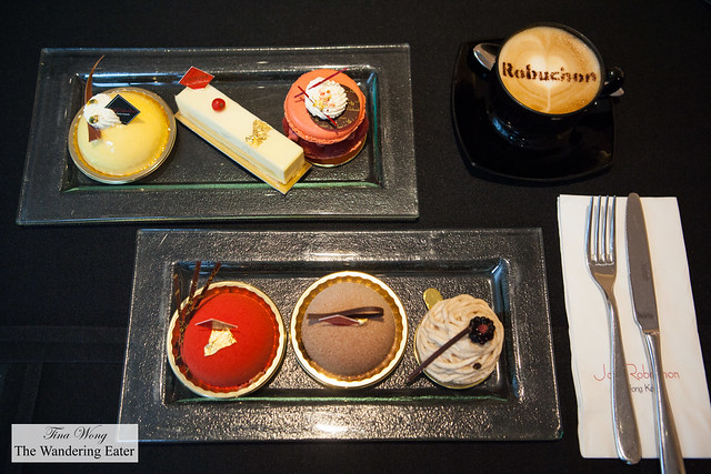 Fresh cakes and pastries