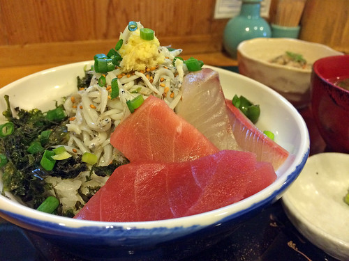 Shirasu and tuna bowl set