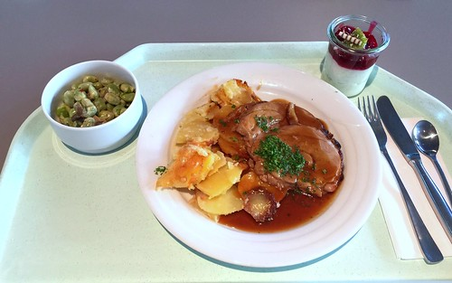Rolled turkey roast with potato gratin / Putenrollbraten mit Kartoffelgratin