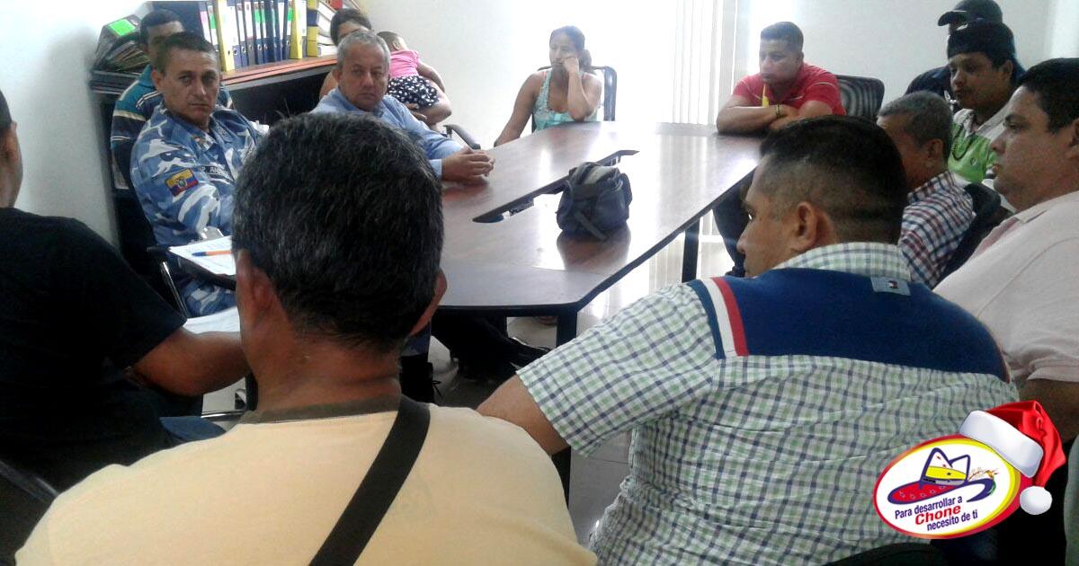 Comerciantes de monigotes y explosivos en feria desde el 20 de diciembre: Plazoleta Santos