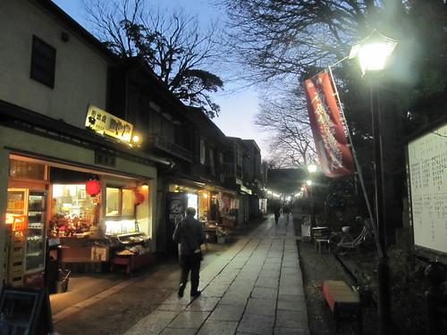 法華経寺の参道