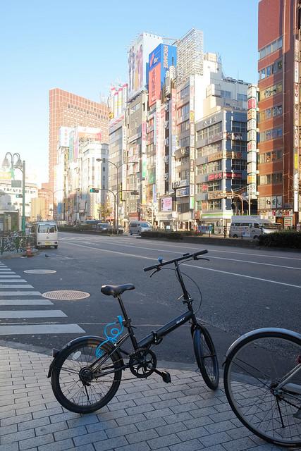 煩悩 [機材沼] : 新宿の朝(7)