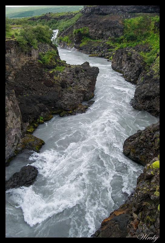 Los rápidos de cascada Barnafoss