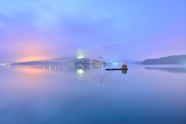 Dawn at Sun Moon Lake
