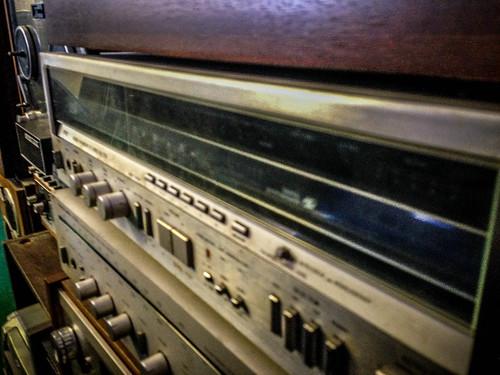 Don Jones Stereo-7