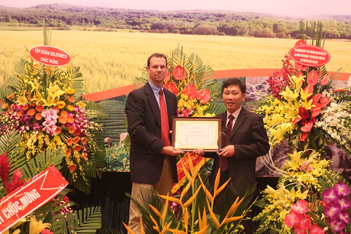 ILRI's Vietnamese partner IPSARD celebrates 10 years