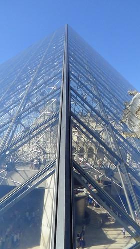 Paris Louvre Pyramid Aug 15 (3)