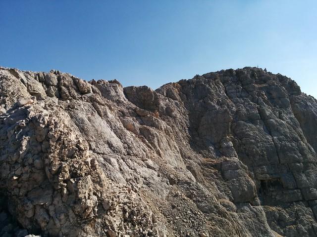 Gipfelkreuz Le Conturines in Sicht