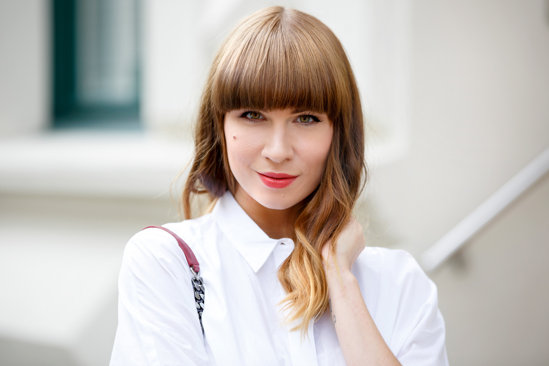 bike bicycle reserved georgia may jagger maritime ysl monogram bag red blue white outfit ootd look lookbook brunette bangs french parisienne parisian paris düsseldorf cute girly styling fashionblogger ricarda schernus cats & dogs blog 1