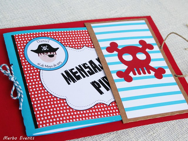Mini album de firmas y recuerdos para comunión pirata Merbo Events