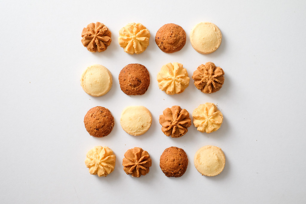 Jenny Bakery's Round Shape Cookies. Favour: Flower, Coffee, Shortbread, Raisin Oats