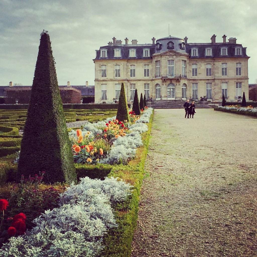Ma balade d'hier au #château de #champssurmarne #momumenthistorique #patrimoine #madamedepompadour #jardins #beautiful #castel #france