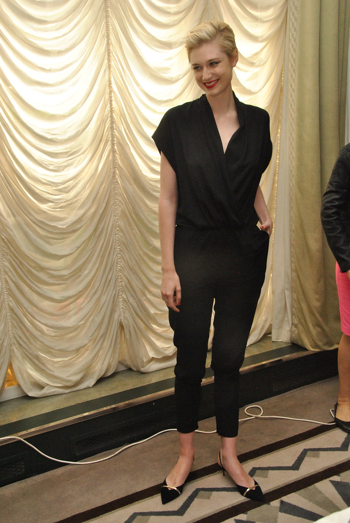 Элизабет Дебики — Пресс-конференция «Агенты А.Н.К.Л.» 2015 – 38