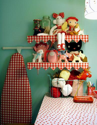 Red gingham edging on the shelves