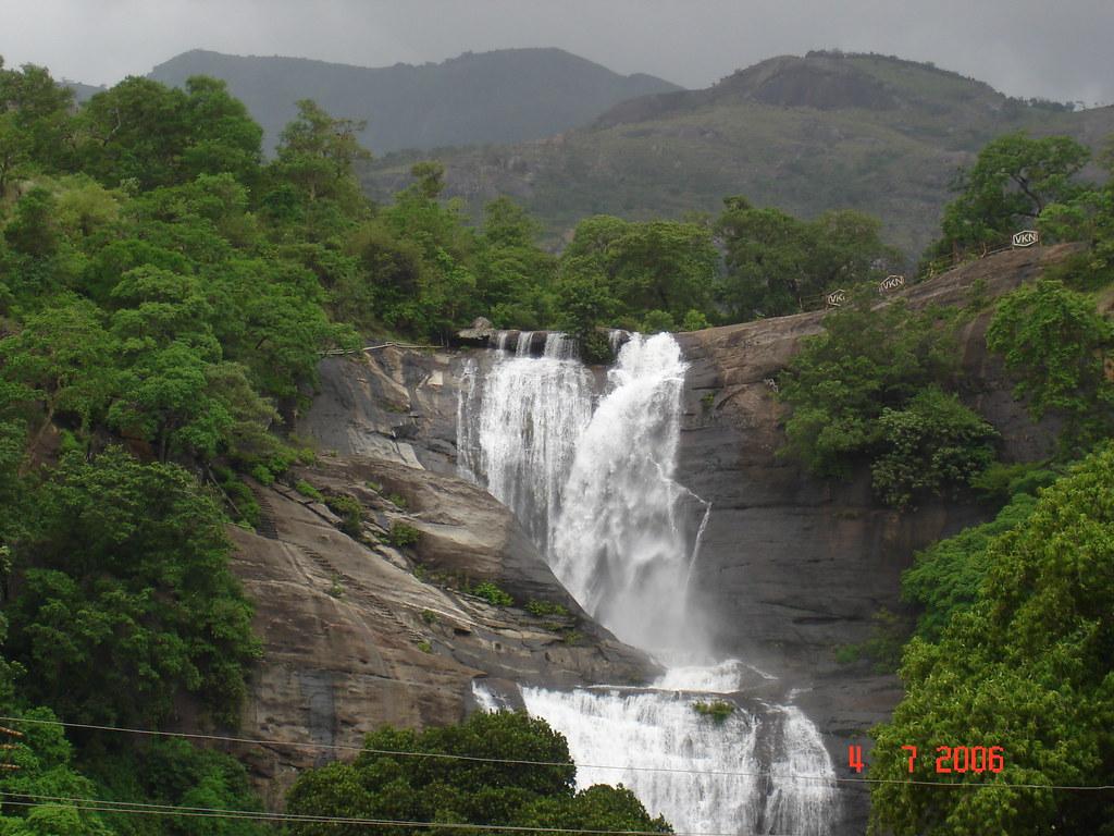 kutralam falls
