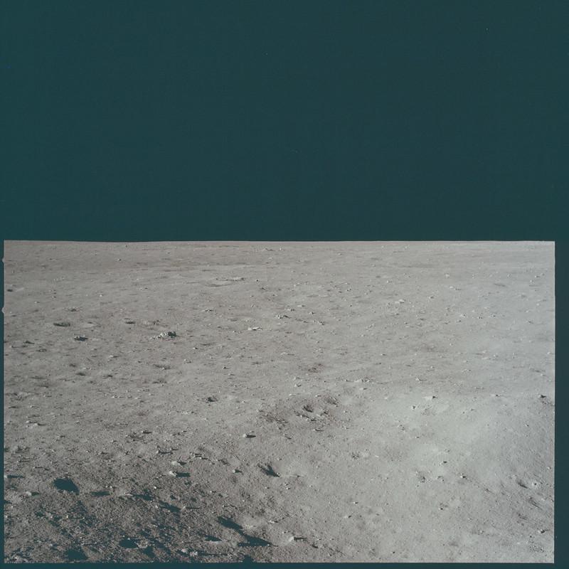 AS11-37-5497
