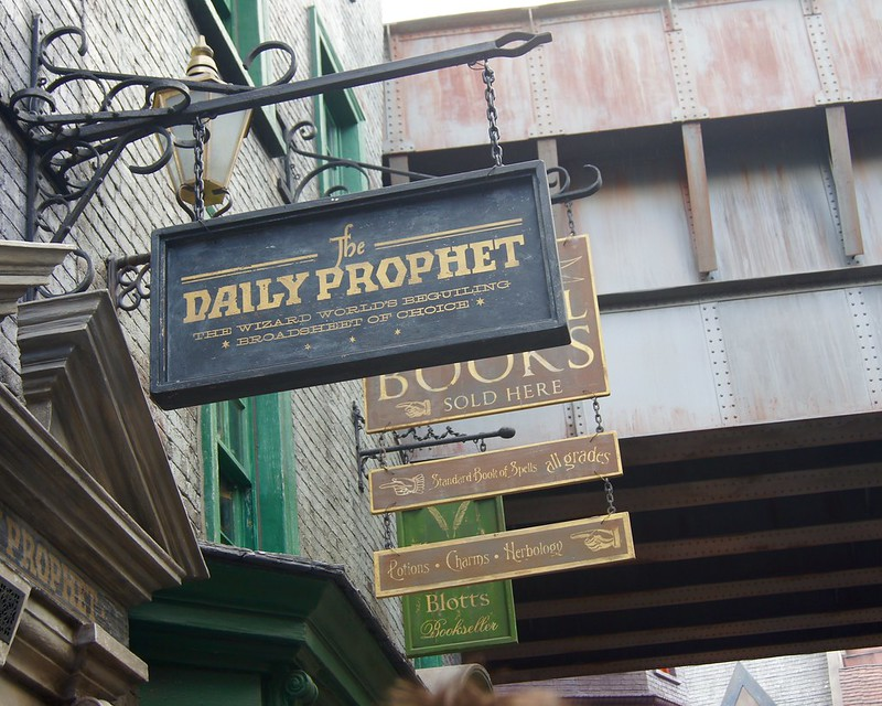 Universal Studios - The Daily Prophet