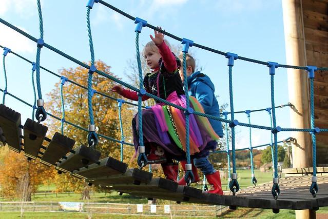 adventure playground whipsnade
