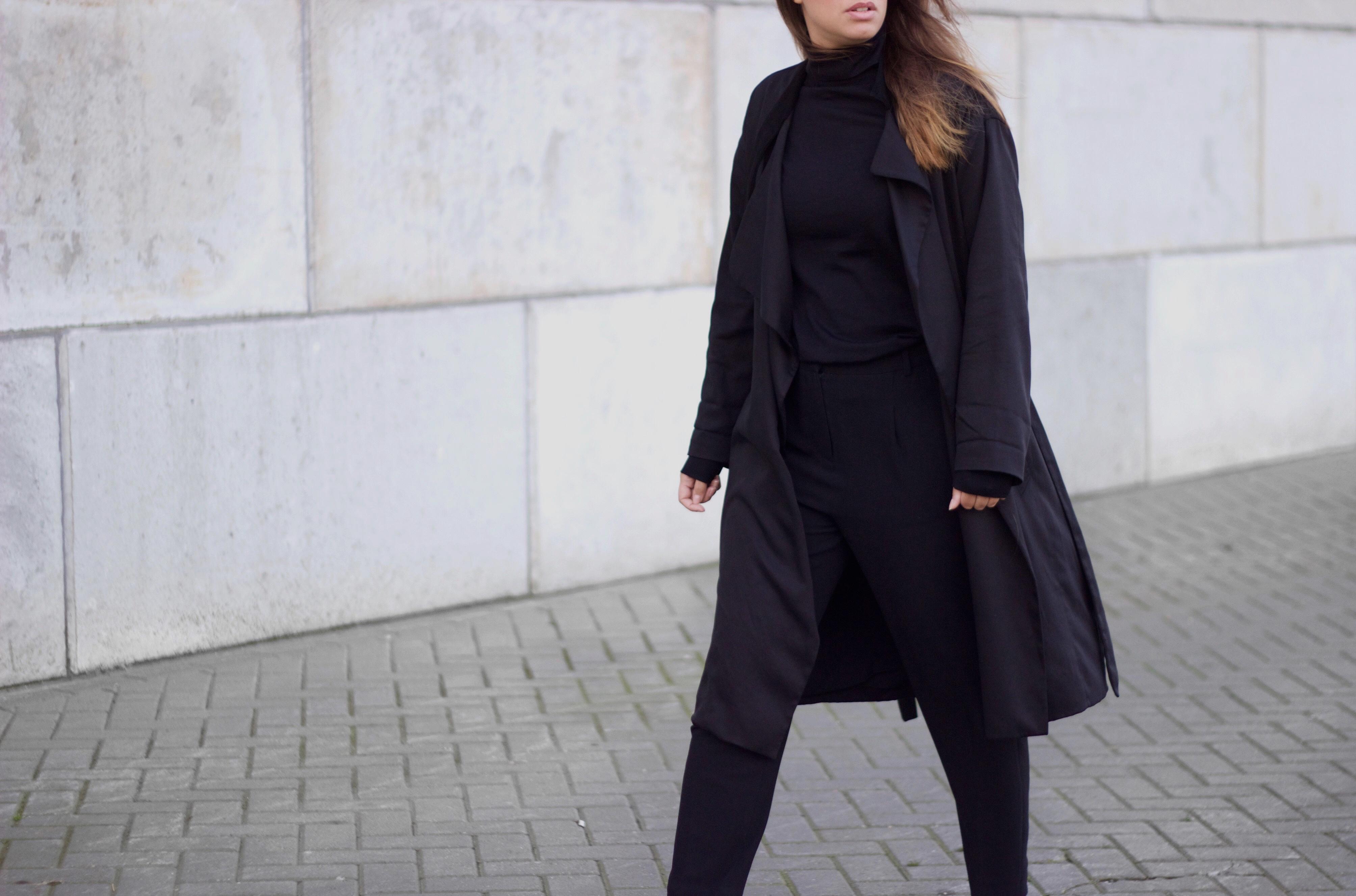 Garment-black-essentials-all-saints-allsaints