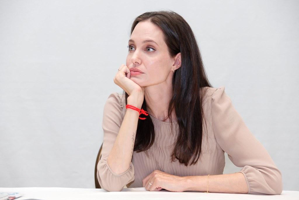 Анджелина Джоли — Пресс-конференция «Лазурный берег» 2015 – 24