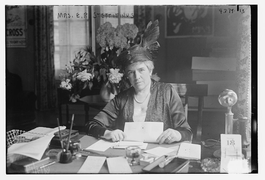 Mrs. E.R. Stettitinus (LOC)