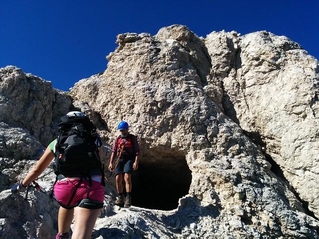 Kurzer Stollen im Ivano Dibona Klettersteig