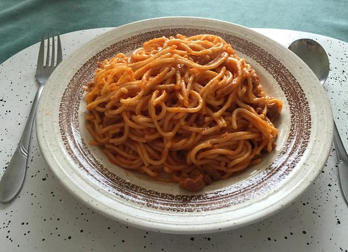 Spaghetti with ground meat tomato sauce - Remainings / Spaghetti mit Hackfleisch-Tomatensauce - Resteverbrauch