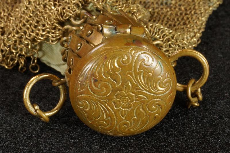 RD9267 Vintage West Germany Brass Expanding Ladies Mesh Link Purse Handbag DSC07888