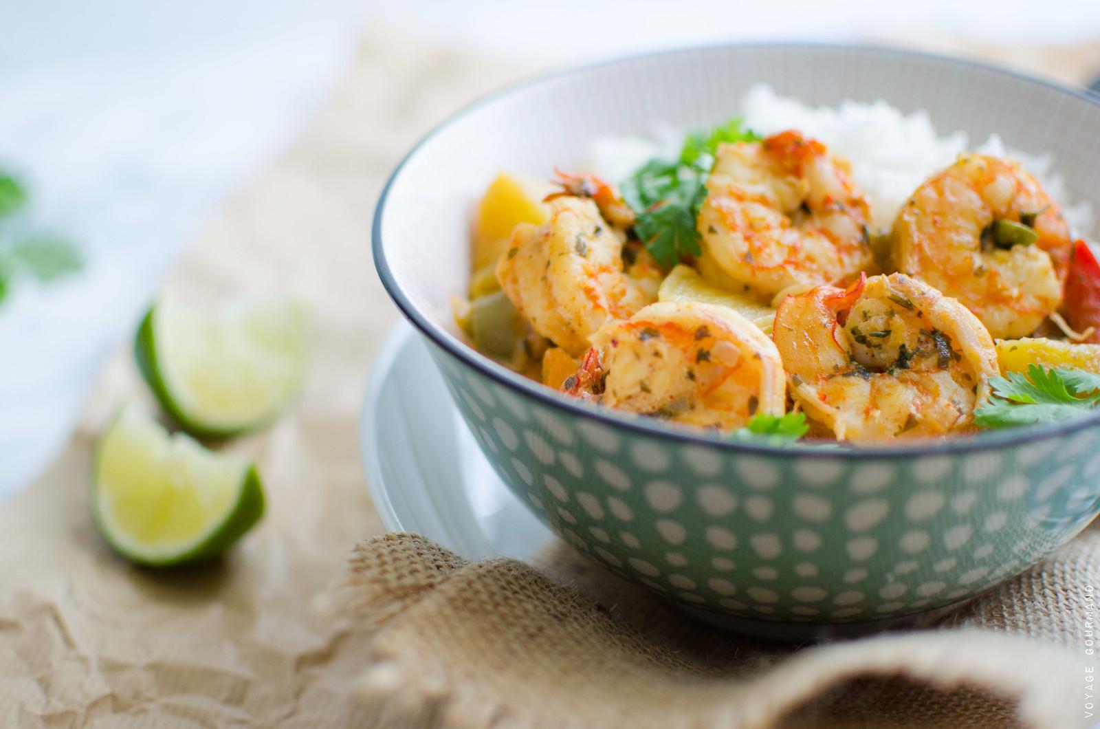 Crevettes aux épices douces, ananas et lait de coco