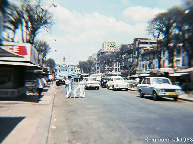 SAIGON 1968 by Mike Mondzak - Đường Nguyễn Huệ