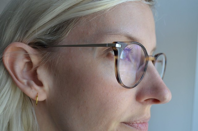 ace & tate AW15 glasses morris in taupe tortoise closeup of metal temples and arms
