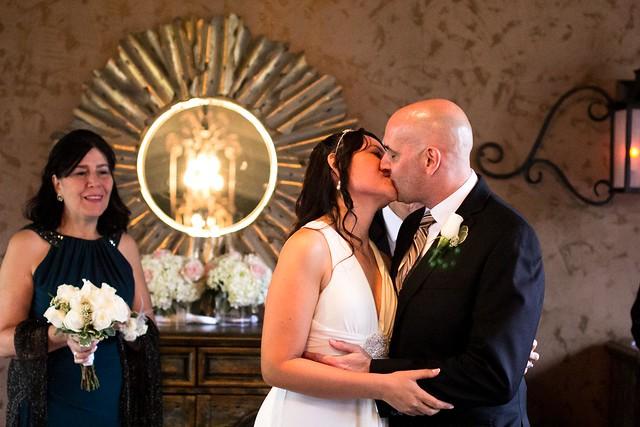 Diana and John's Horseshoe Bay Yacht Club Wedding near Austin, Texas, small wedding, austin wedding photographer