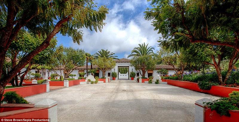 Вилла в Лос-Анджелесе Hacienda de la Paz