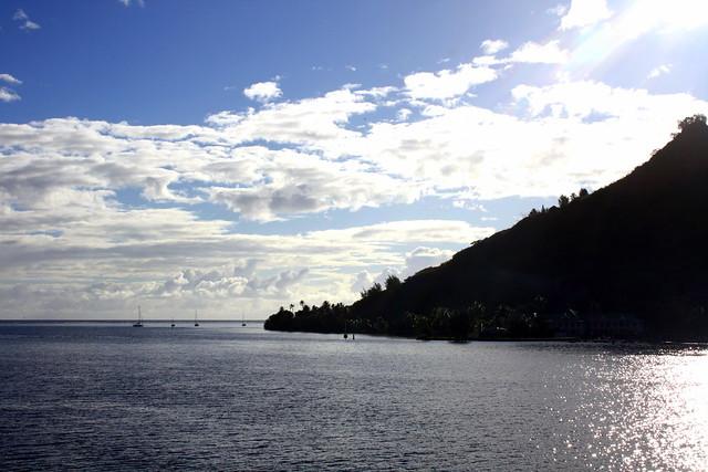 Header of Tahiti