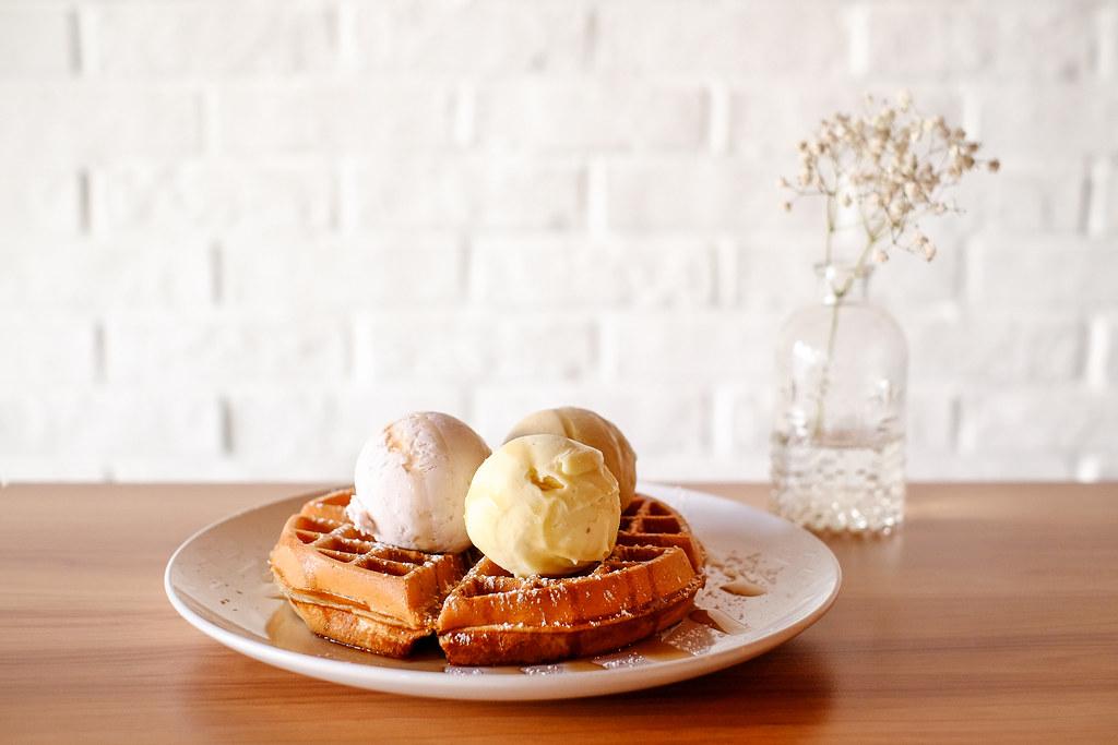 双勺:华夫饼加3勺冰激凌。